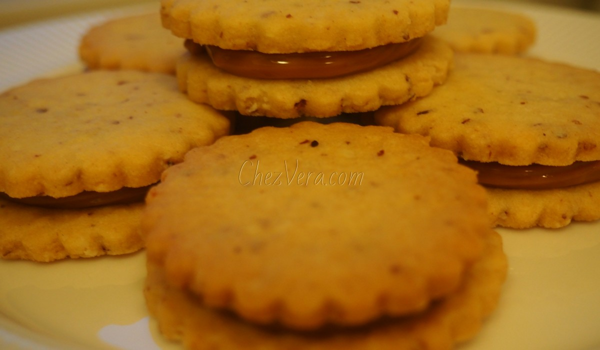 French Butter Cookies with Dulce de Leche (When Brittany meets Brazil)