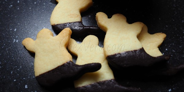 Shortbreads with Vanilla and Fleur De Sel – Original Ghost Shortbread Cookies for Halloween