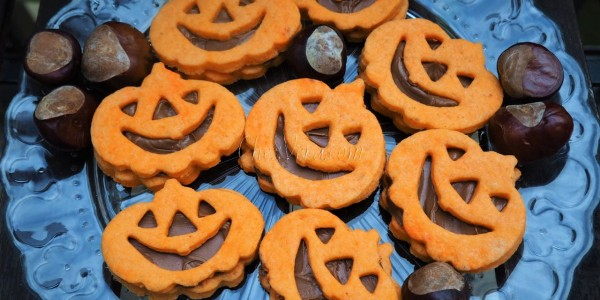 Pumpkin Cookies with Chocolate Spread