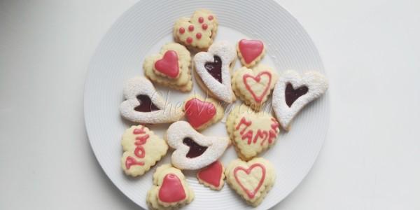 Herzförmige Marmeladenplätzchen für meine liebe Mama