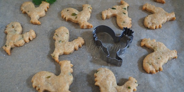Shortcrust pastry Biscuits with Parmesan, piment d'Espelette and Coriander