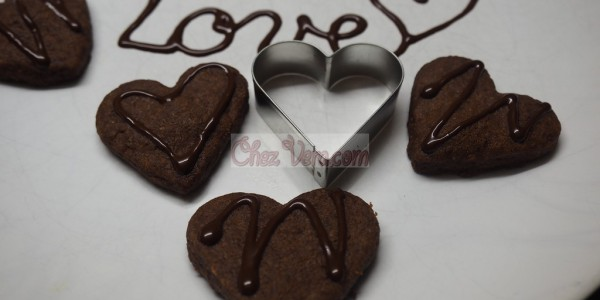 Lovely Cacao Shortbread with Chocolate
