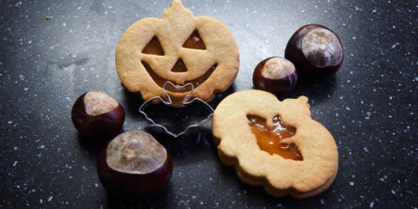 Halloween Cookies (with Jam)