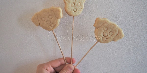 Lollipop biscuits