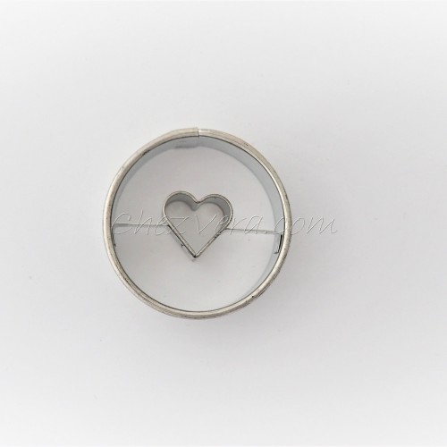 Linzer Cookie Cutter – Circle II with Heart