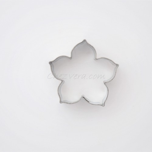 Cookie Cutter Lily (small) I