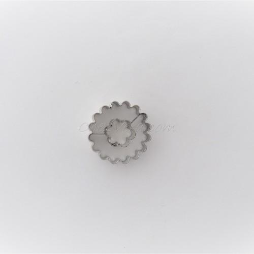 Linzer Ausstechform – Kreis (gezackt) mit Blume
