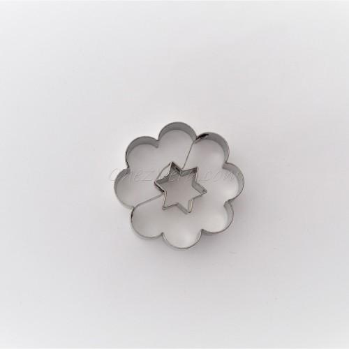 Linzer Ausstechform – Blume mit Stern (groß)