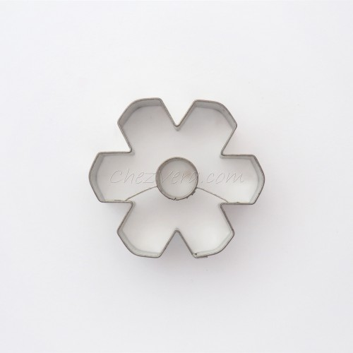 Linzer Cookie Cutter – Snowflake with Circle