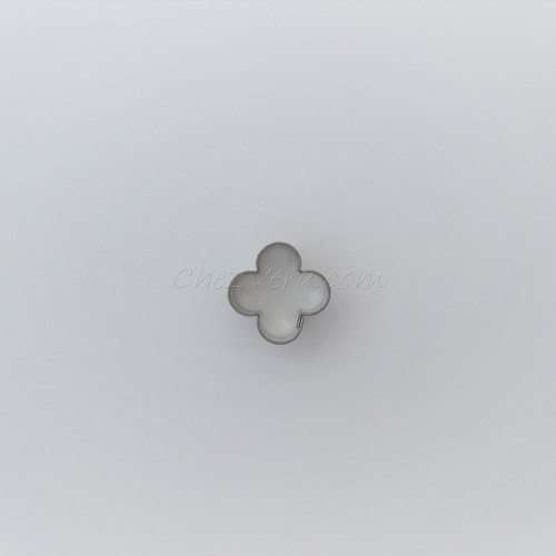 Cookie Cutter Flower with four small petals I