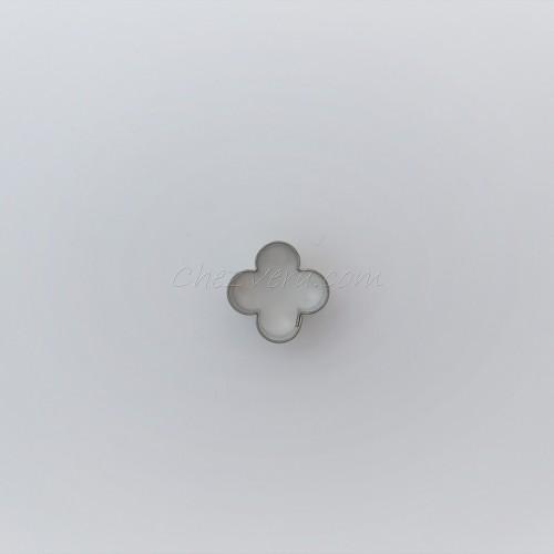 Emporte-pièce Fleur mini quatre pétales I