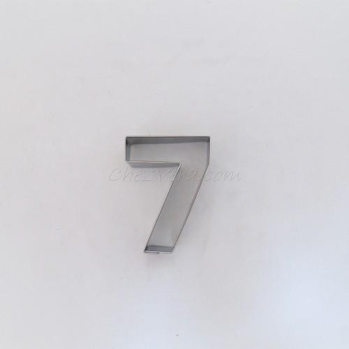 Numéro sept