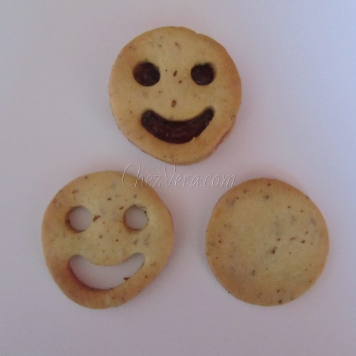 Linzer Cookie Cutters Set – Smiley (happy)