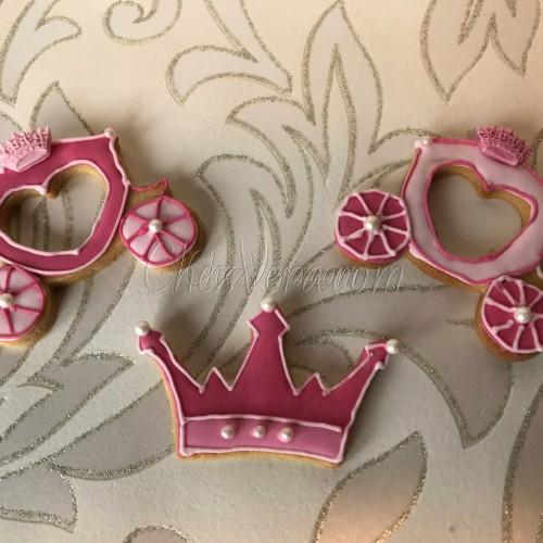 Cookie Cutter Crown